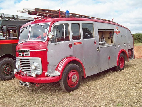 43 Commer Fire Tender (1961)