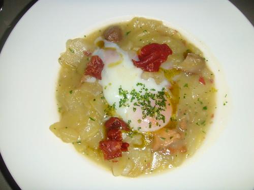 Huevo a 63º, patata confitada y boletus