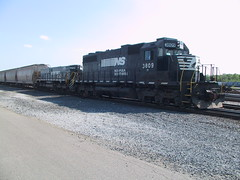 NS SD38 No. 3809 and NS MT6 slug No. 978