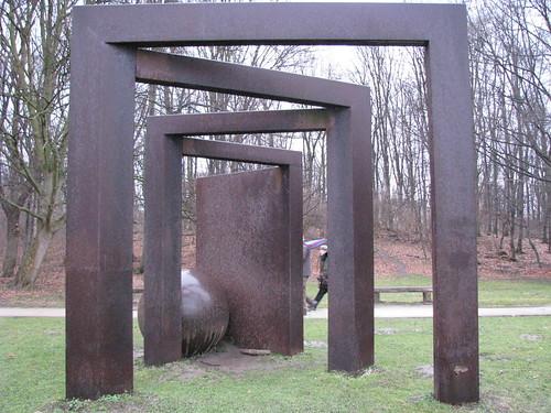 15-Escultura contemporânea no parque de Köln