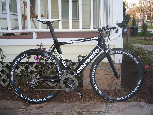 EC90 SLX carbon bar, 3T rotundo stem, reynolds dv46c clinchers.