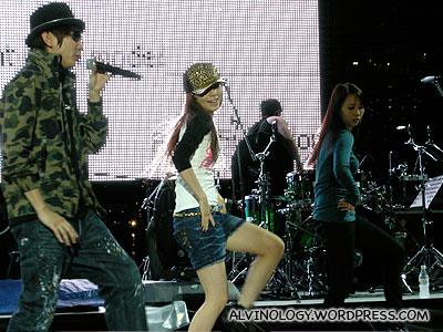 JJ Lin (林俊杰) showing off his moves