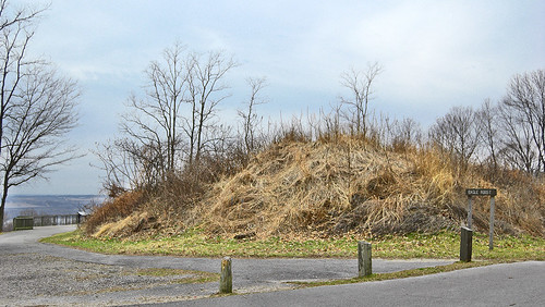 Pere Marquette State Park, in Grafton, Illinois, USA - mound overlooking rivers