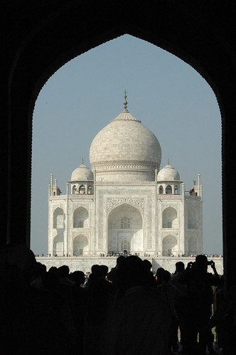 Gate to Taj Mahal-10