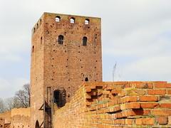 CZERSK, POLAND (sowasp7) Tags: castle poland polska mur dolina wisa czersk zamek mazowsze skarpa ruiny cega wiea mazowieckie wisy zamkowa ksit wilana mazowieckich
