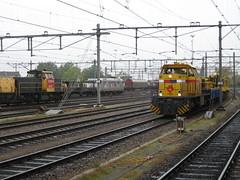 Toen het nog lekker druk was op Venlo-Goederen (giedje2200loc) Tags: train de cargo venlo op railways crisis voor lekker railroads logistics druk txl treinen traxx railion goederen veel krediet goederentreinen strukton g1206 kredietcrisis serie6400