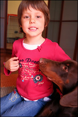 Tina e Tato (coda.allegra) Tags: red brown child dobermann