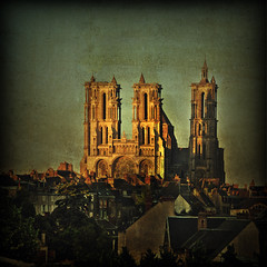 The Cathedral of Notre Dame in Laon (pixel_unikat) Tags: france tower church architecture cathedral centre gothic textured laon 500x500