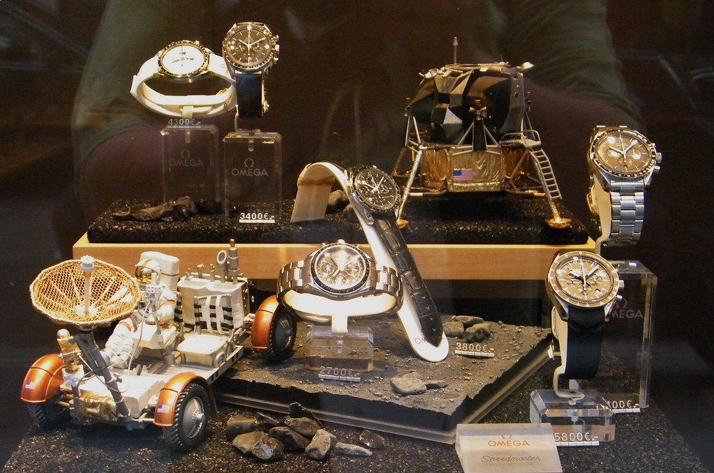 APOLLO 11 / VITRINE OMEGA ET SPEEDMASTER / PARIS 2009