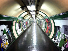 love at first tunnel (toleman.hart) Tags: city uk urban london love circle underground geotagged lumix interestingness couple europa europe colours britain geometry tube perspective tunnel minimal explore commute londonunderground frontpage londra 2009 embankment regnounito fz30 toleman explored tolemanhart