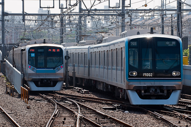 東京地下鉄東西線15000系15102F