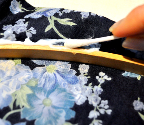 how to get oil out of cotton fabric