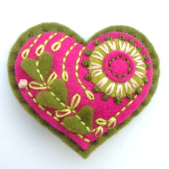 FELT VALENTINE HEART BROOCH (APPLIQUE-designedbyjane) Tags: pin heart embroidery brooch felt valentine