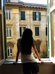 . (lluvia.de.verano.) Tags: portrait italy selfportrait rome roma art me window painting arte happiness felicidad dali