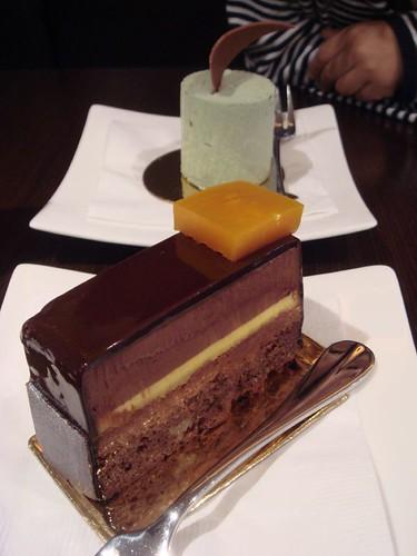 Le Petit Gateau cakes