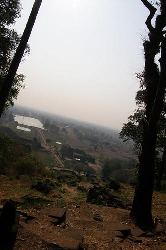 047.從主殿俯瞰Champasak平原 (2)