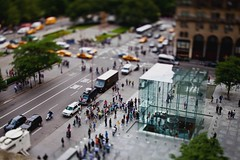 iPhone 3G[S] Launch Day (saebaryo) Tags: nyc newyorkcity apple canon timelapse video 5thavenue applestore 5d 45mm tse 3gs iphone tiltshift 5thavenueapplestore canoneos5dmarkii 5dmarkii 5d2 canon45mmf28tse 5dii iphone3gs