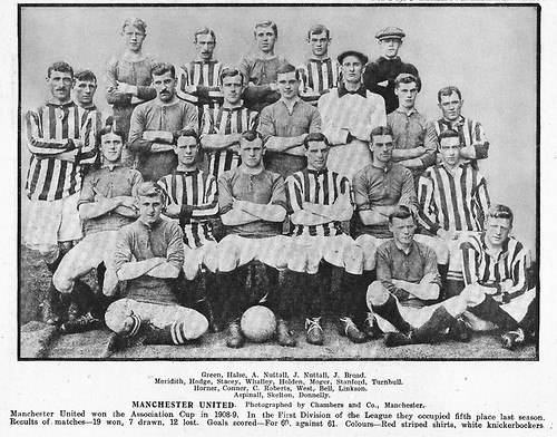 Manchester United 1910-11 team photograph