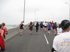 Coronado Bay Bridge Run 2010 (Glenn Batuyong) Tags: walking sandiego navy running baybridge runners coronado jogging fitness uphill walkers joggers incline coronadobridge glennbatuyong