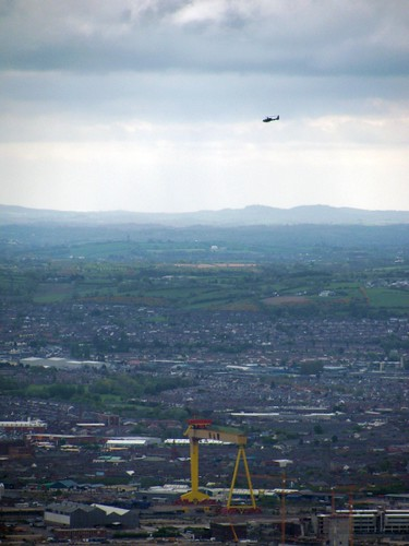 Harland and Wolff crane Belfast and helicopter