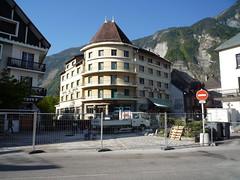 20100520 02 Le Bourg-d'Oisans (Sjaak Kempe) Tags: 2010 lente alpe dhuez geotagged geo:lat=4505464869586194 geo:lon=6031584161302812 sjaak kempe france frankrijk frankreich fietsvakantie fiets fietsen le bourgdoisans hôtel hotel de milan spring bike