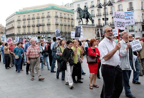 Concentración contra la impunidad del Franquismo (27/05/2010)