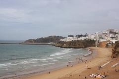 Albufeira (Olaya Garcia) Tags: praia beach portugal playa gale algarve albufeira