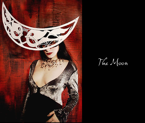 Tarot of Masks - The Moon