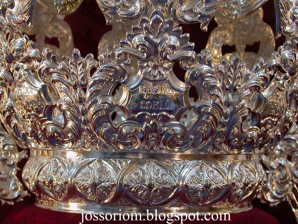 Corona de Ntra. Sra. del Subterráneo. 2004