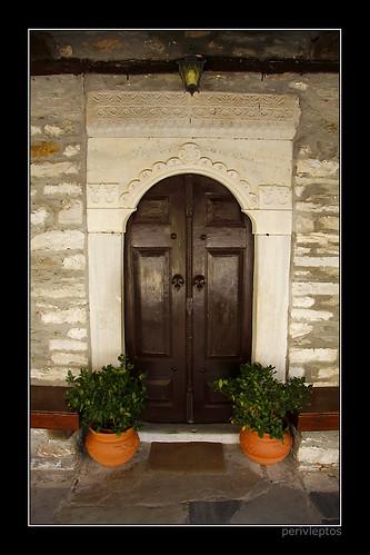 είσοδος του ναού