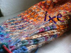 Ixe-farbspiel (IXE1) Tags: colorful leftovers knitonebelow