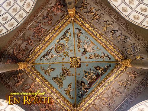 Patuxai Elaborate designed ceiling