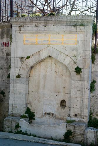old fountain from Tiled Mosque, Çinili Cami 'den eski bir çeşme, Üsküdar, İstanbul, Pentax k10d