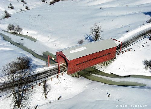Red covered bridge near Wakefield, Quebec - Kite Aerial Photography (KAP)