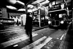 Victoria Station - London (Bichro) Tags: london station automne victoria londres ballade blackwhitephotos