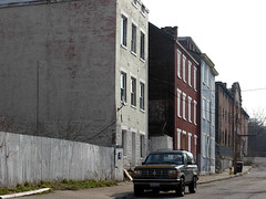 vacant buildings in OTR (by: Kevin Lemaster via building-Cincinnati.com)