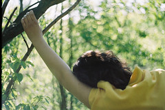 (MilkyAir) Tags: film girl analog iso200 spring bokeh praktica reverie mtl3 milkyair