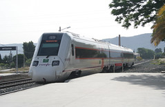 598 en Antequera (José Francisco_(Fuen446)) Tags: train tren trenes trains regional málaga railroads antequera renfe dmu automotor 598 diésel 10millionphotos s598 automotordiésel