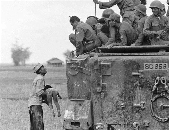 Vietnan, tanque con niño