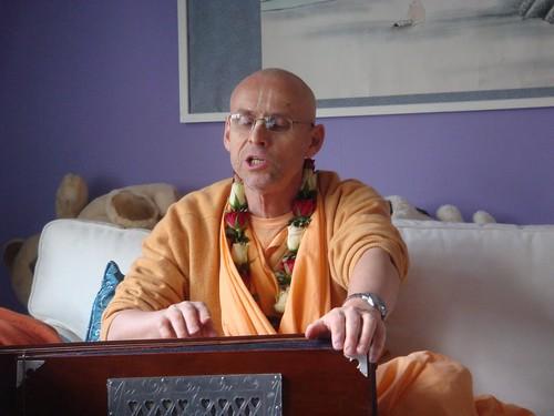 Kadamba Kanana Swami Korsnas Gard and at Ugrasena's 14th May 2010  -0038 por ISKCON desire tree.