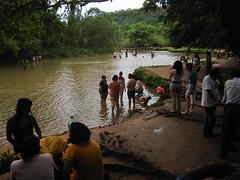 Aqua Azul 013 - Locals at the falls (Ben Beiske) Tags: mexico chiapas mexiko aquaazul