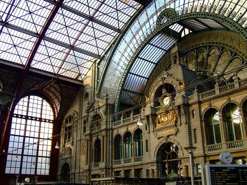 Antwerpen Centraal Railway Station. Antwerpen-Centraal railway