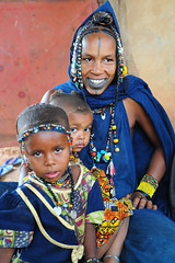 peul family,North of Mali towards Mauritania (luca.gargano) Tags: voyage africa travel portrait woman tattoo children beads mother jewelry tribal tattoos mali tatoo tatuaje gargano peul theunforgettablepictures lucagargano