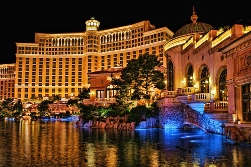 Bellagio Casino and Hotel by Dave Toussaint (www.photographersnature.com)