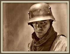 GERMAN SOLDIER-WW1-SOLDADO ALEMAN-1918-FOTOS-ERNEST DESCALS-PICTURES-HISTORY-SELFPORTAIT (Ernest Descals) Tags: people man men history portraits vintage germany soldier army deutschland war wwi helmet selfportraits documentary krieg retratos german militar alemania mann recreation ww1 greatwar firstworldwar historia documento soldat reich soldado guardia armee deutsch autoretratos militaria aleman historie ejercito centinela geschichte soldados reenacting historica kampf erholung historico historische twentiethcentury recreacion germansoldiers dokumente erzhlung sigloveinte primeraguerramundial trincheras stahlhelm historiador granguerra soldadosalemanes ernestdescals histprischen