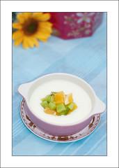 double layer milk pudding/  (Cmajor_Photography) Tags: kitchen fruit dessert bokeh flash chinese delicious cantonese 50mmf18 sb800 experiemnt  strobist foodimake doublelayermilk