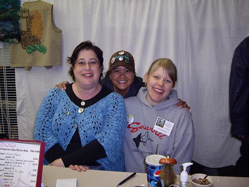 Amy and Jennie the Potter Posing with me at MD S&W 2009
