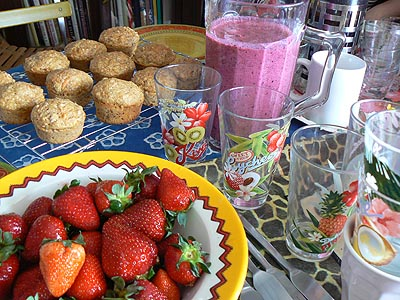 fraises, muffins patate douce et smoothie pomme cassis.jpg