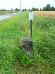 Photo of a Delaware boundary monument