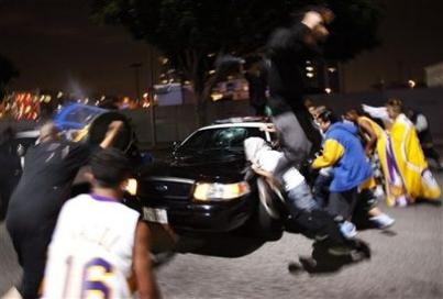 Lakers fans 8